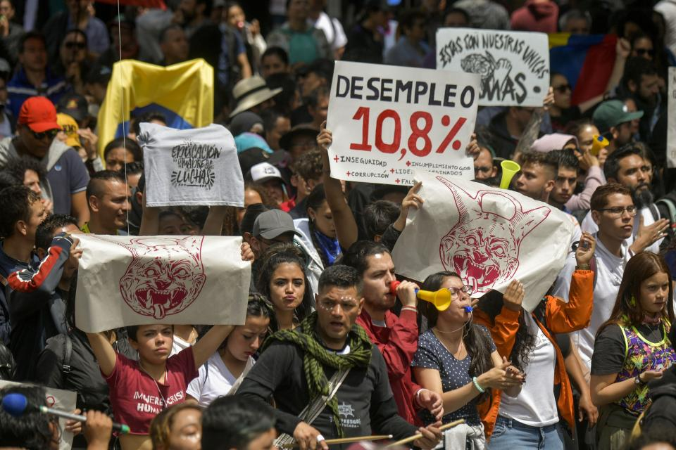 Con marchas masivas, Colombia se sube a la ola chilena