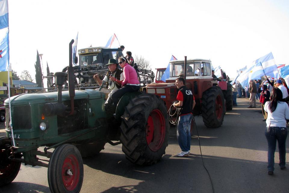 Los sectores más concentrados del agro están batiendo tambores de guerra por las retenciones.