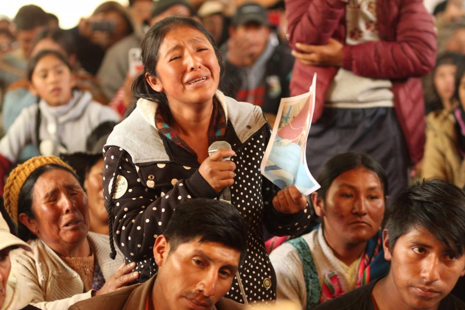 Victimes de la répression devant la Commission des droits de l'homme CIDH à Senkata.