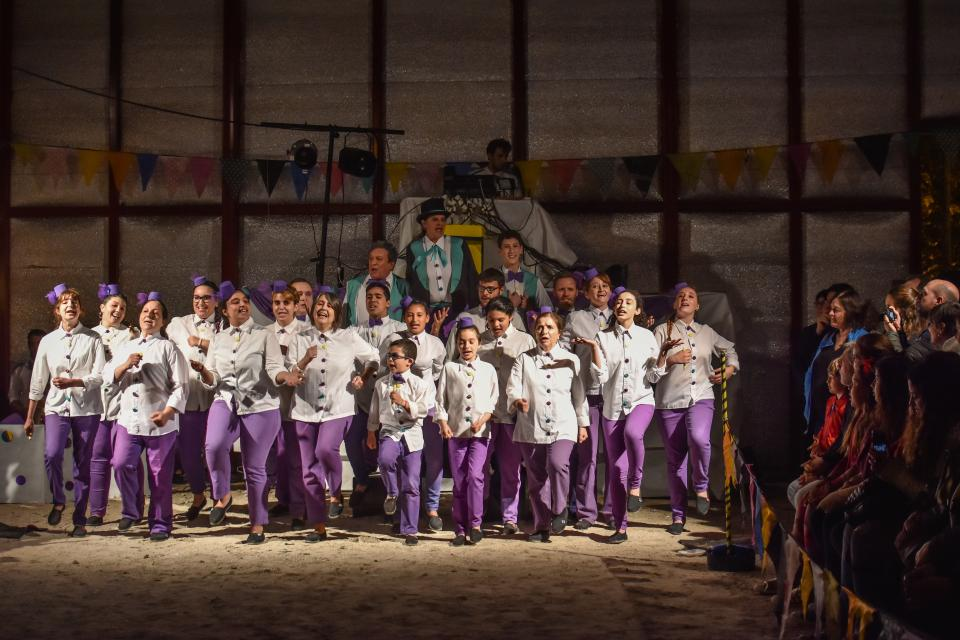 """""""Kermesse"""", espectáculo del grupo de Teatro Comunitario de Berisso."""