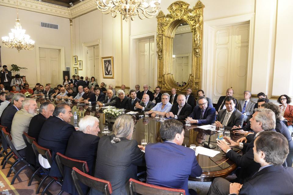 Alberto Fernandez durante la firma del Compromiso Argentinio para el Desarrollo y la Solidaridad.