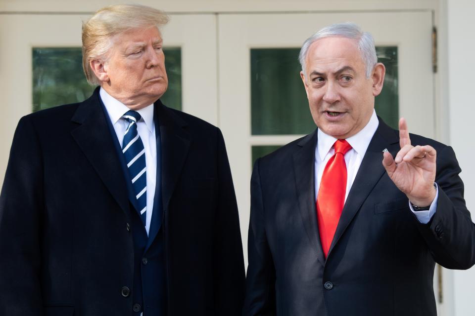 El plan de paz de Trump es rechazado por los palestinos El premier palestino Shtayeh dijo que el plan solo tenía la intención de proteger a Trump y a Netanyahu de los desafíos políticos que enfrentan.
