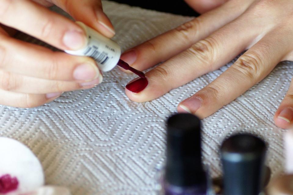 La Anmat Prohibió Tres Esmaltes De Uñas Que Se Vend