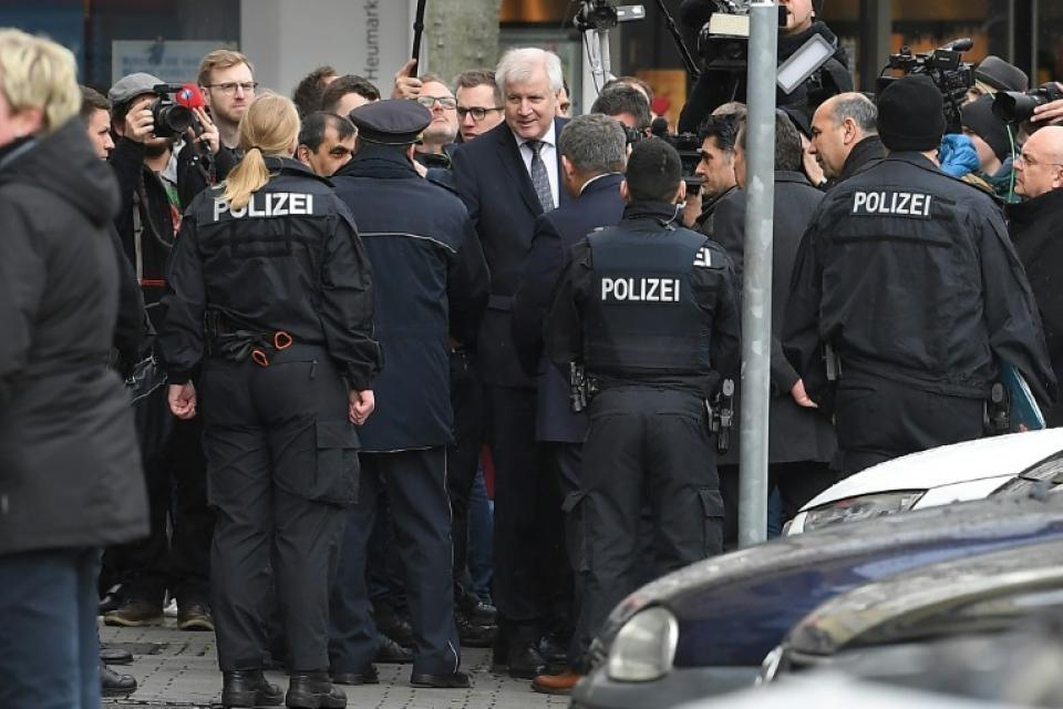 Protección para las mezquitas Tras el atentado racista en Alemania