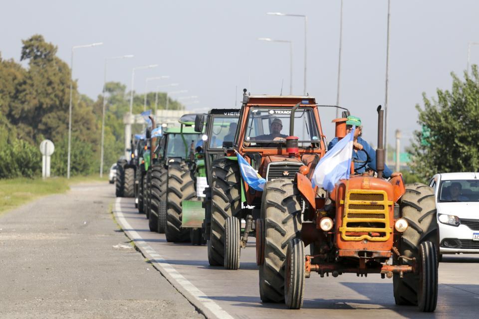 Tractorazo de productores en Córdoba.