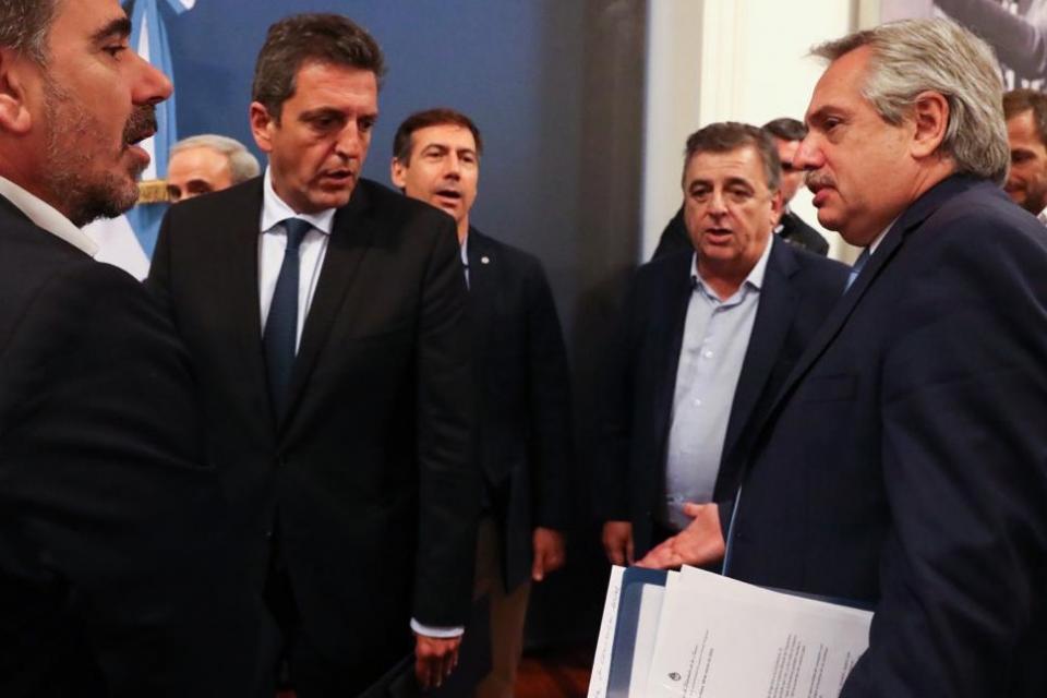 Alberto Fernández junto a Cristian Ritondo, Sergio Massa y Mario Negri, al término del encuentro de ayer.