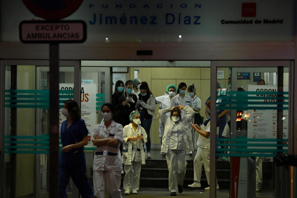 En España murieron por coronavirus otras 655 personas en las últimas 24 horas.