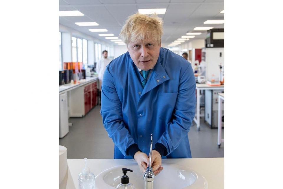 Boris Johnson se sumó a la lista de contagiados