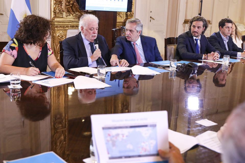 Alberto Fernández está reunido en Olivos con el Com...   Página12