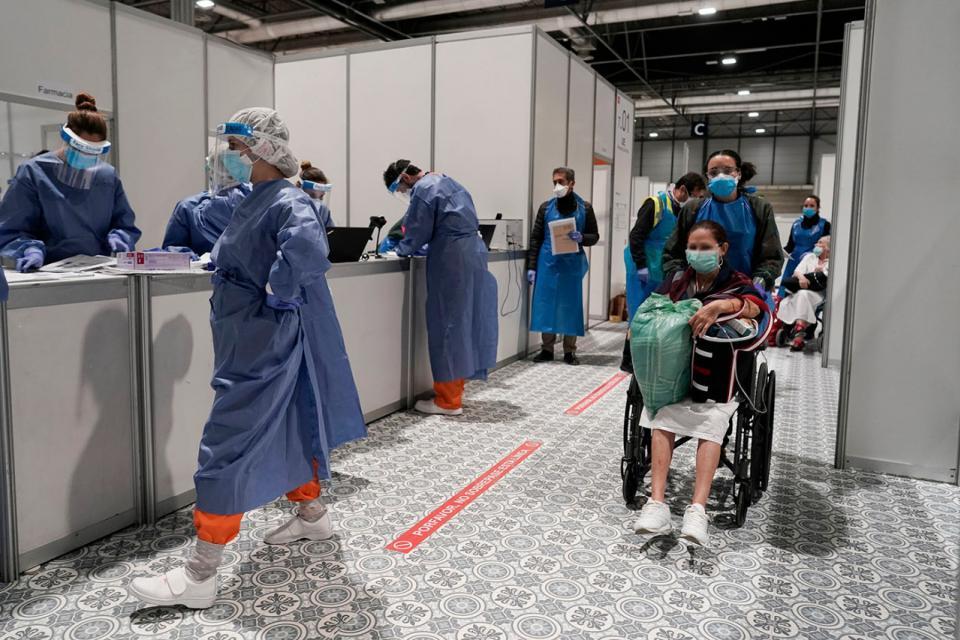 Coronavirus en España: hay más de cien mil infectados pero la curva va en baja