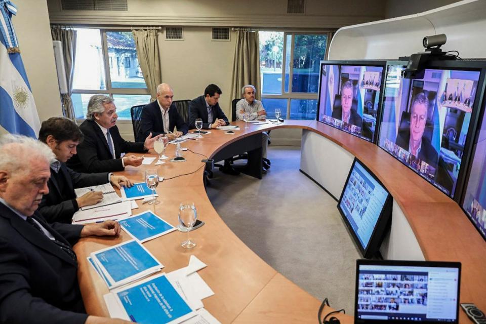 Alberto Fernández en teleconferencia desde Olivos con los gobernadores.
