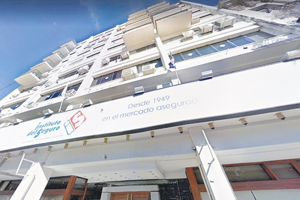 Riera fue arrojada con vida desde el octavo piso del edificio.