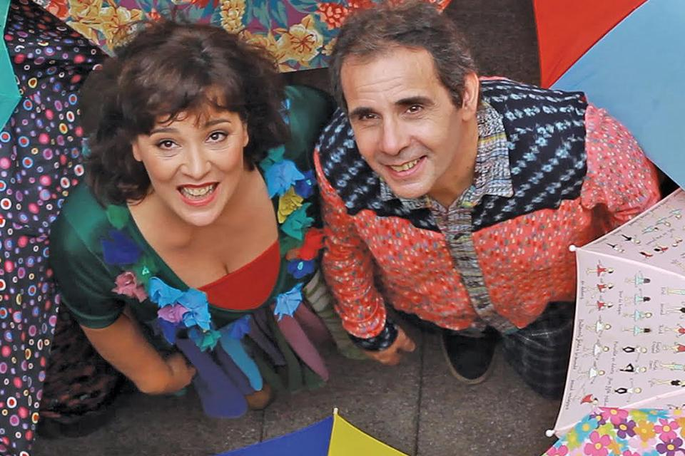 El dúo Lalá hace cantar y bailar a los más chiquitos