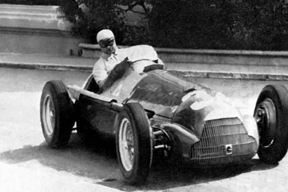 La imagen de Fangio durante el Gran Premio de Mónaco.