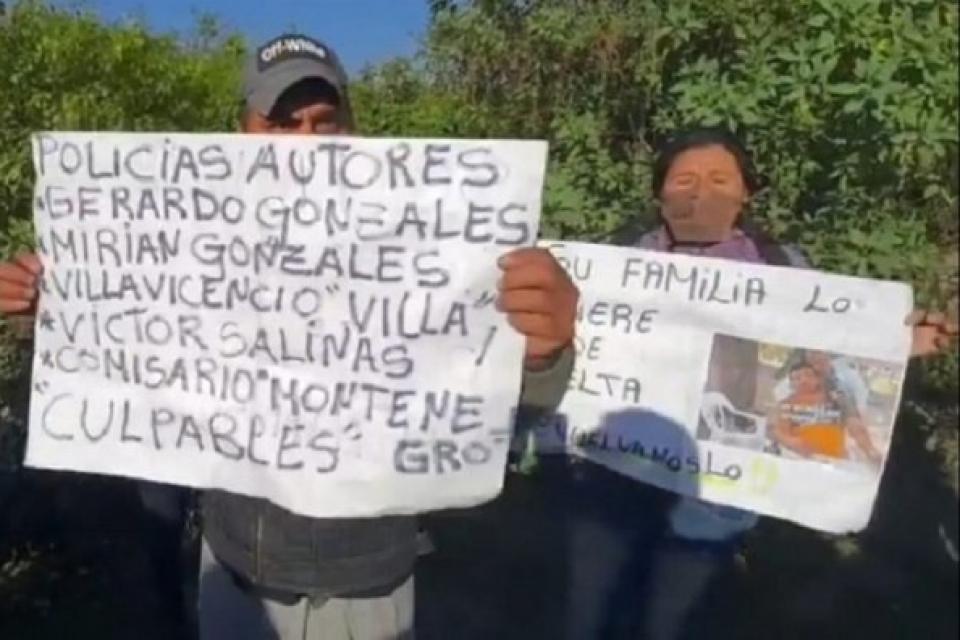 La familia y vecinos comenzaron a buscaban en el monte inmediatamente a Espinoza, y a denunciar a los policías.