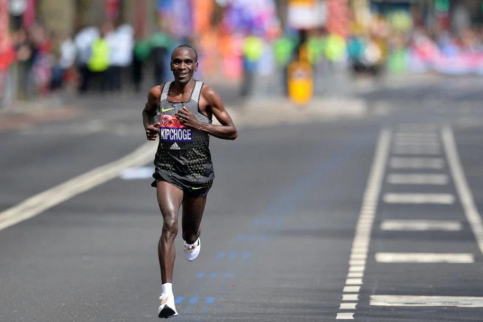 Eliud Kipchoge, récord mundial en maratón.