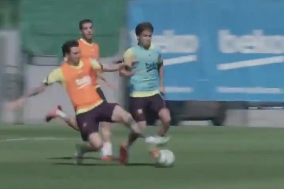 Un Messi motivado: Fue al piso, raspó, recuperó y metió un golazo