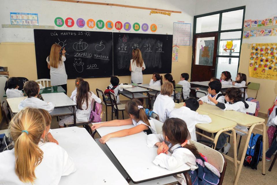 El gobernador Gerardo Morales plantea reabrir las escuelas de Jujuy a partir del 15 de junio, pero el plan tiene que ser aprobado por el ministerio de Educación de la Nación.