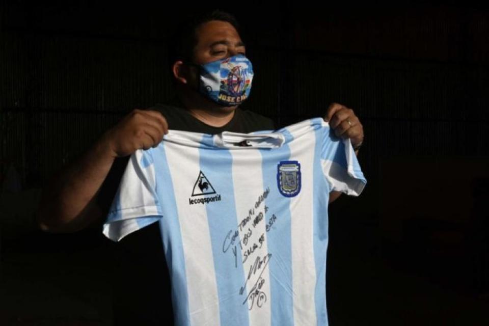 """Maradona: """"Por favor ayuden, porque el hambre es jodido"""""""