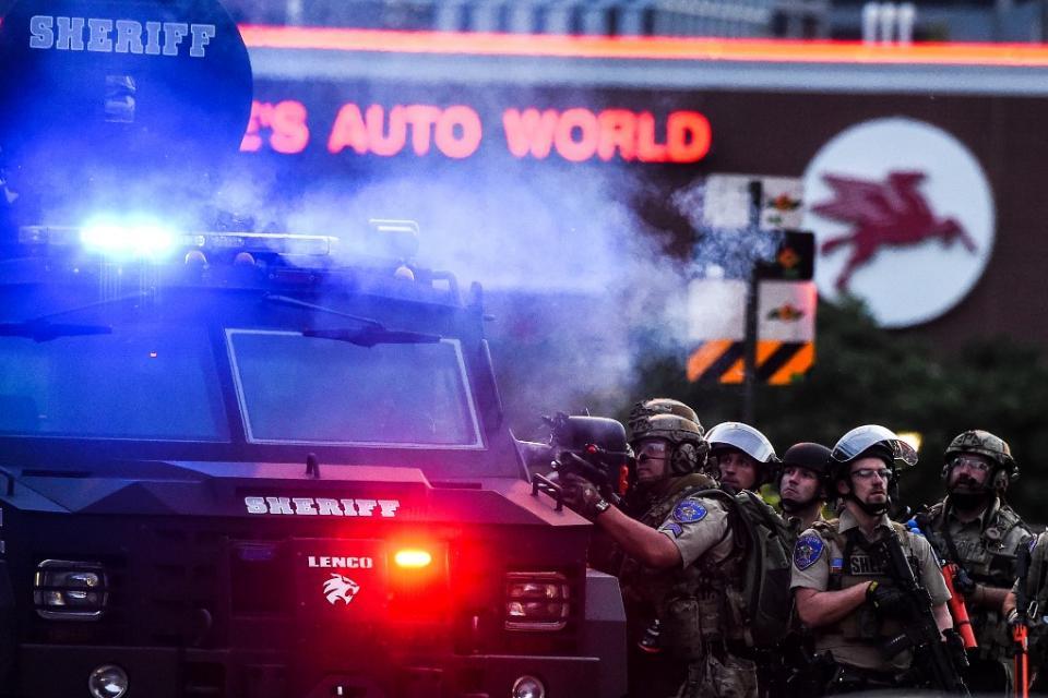 Trump pide represión dura contra las manifestaciones antirracistas