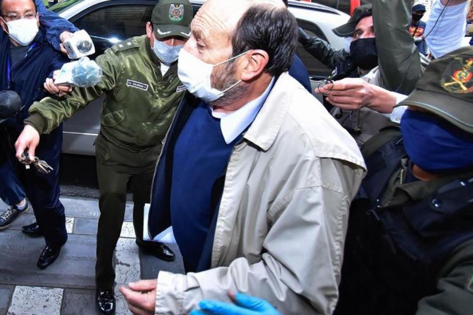 El ministro de Salud del régimen, Marcelo Navajas, detenido en Bolivia.