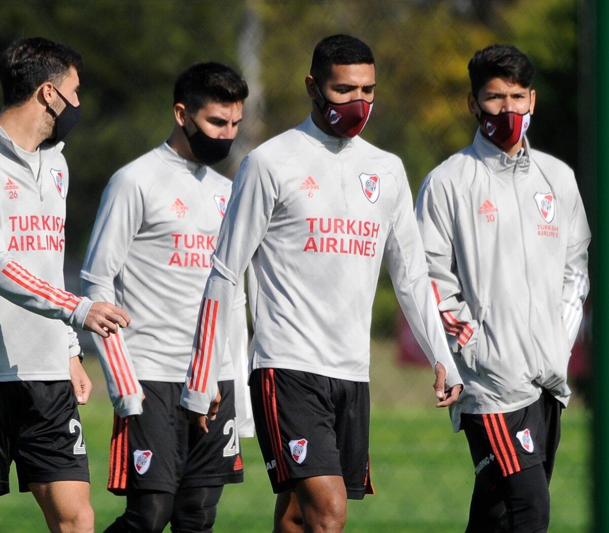 Alerta en River por nuevos casos de coronavirus: ¿No llega a 11 jugadores?  | Ya son 20 los contagiados y el miércoles tiene partido por Copa  Libertadores | Página12