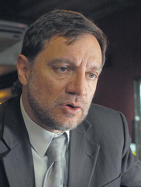 REPORTAJE al economista ecuatoriano Pedro Páez Pérez