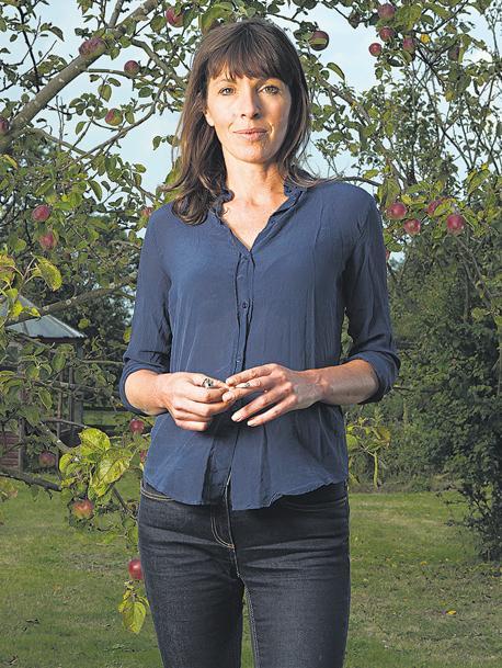 Rachel Cusk dio a conocer la trilogía en la que el Yo se disuelve para narrar las vidas de los otros