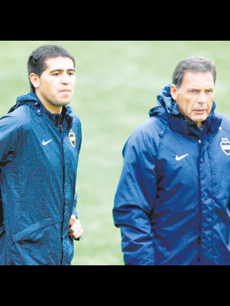 Boca inicia hoy una nueva era, con la asunción de los flamantes directivos, y el vicepresidente Juan Román Riquelme le ofrecerá el cargo de director técnico a Miguel Angel Russo