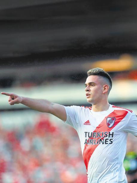 Con doblete del delantero colombiano, River derrotó 2-1 a Independiente en el clásico postergado de la fecha 14